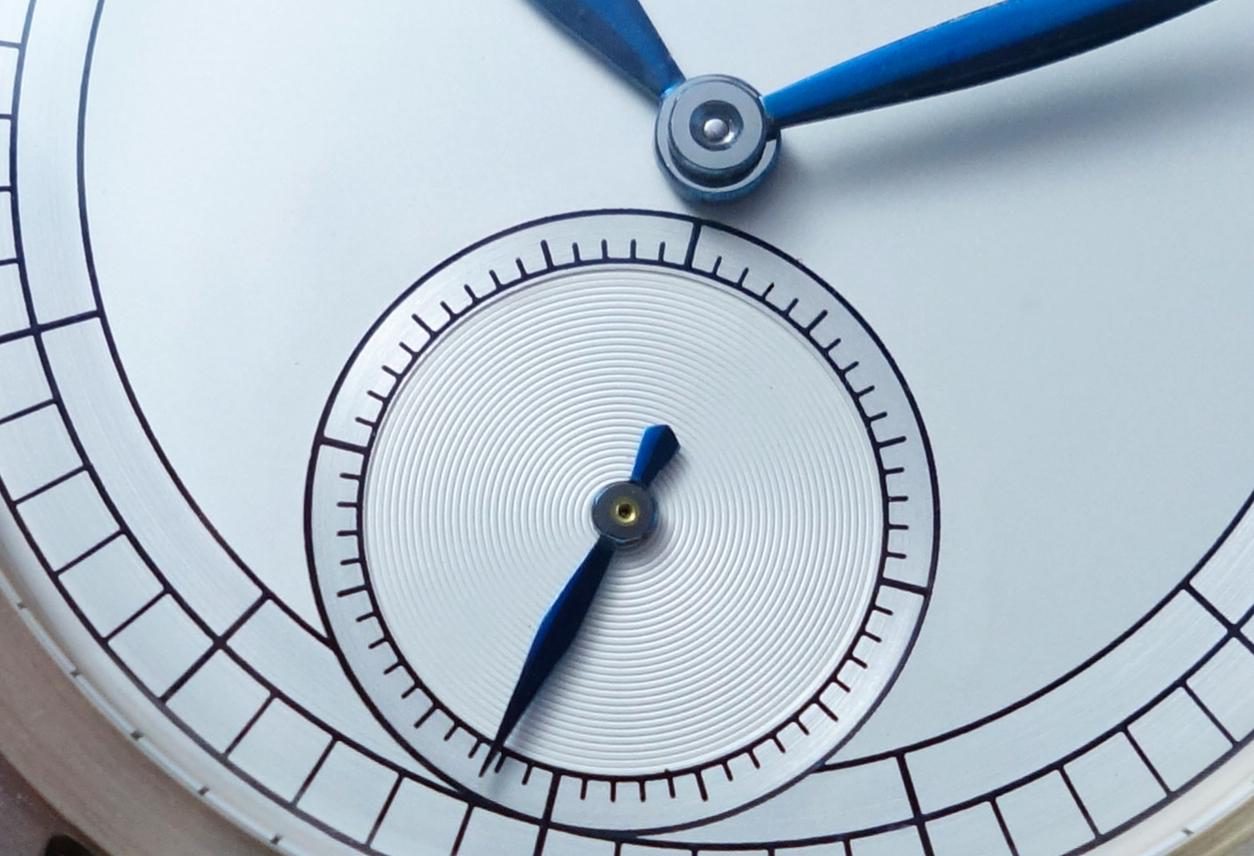 Silver two-tone dial. Atelier de Chronométrie Barcelona©